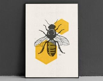 Honeybee Art Print, Honeycomb Print, Bee Wall Art, Modern Animal Art, Vintage Animal Print, Modern Home Decor, Download Art Printable