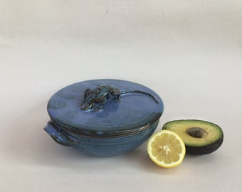 pottery bowl with lid, handmade bowl with lizard lid, blue serving bowl with lid, 32oz