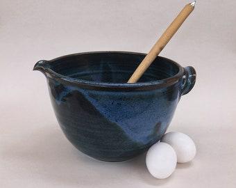 Ceramic Mixing Bowl, Cake Batter Bowl, Pouring Bowl, large handmade wheel thrown pottery kitchen bowl, 2.5 Liter