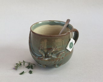 lizard coffee mug pottery tea cup, handmade large brown/green ceramic 16oz soup cup, unique stoneware animal cup, sculptural pottery