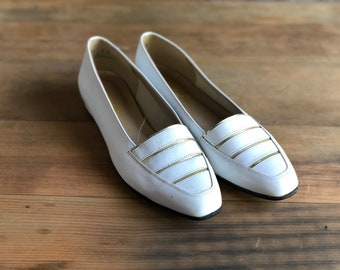 Vintage White and Gold Loafers, Size 7