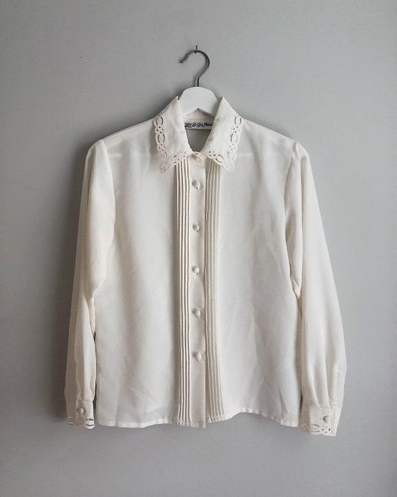 Vintage Ivory Button Up Blouse Detailed Neckline … - image 4
