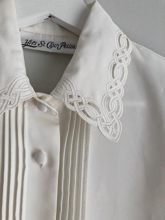 Vintage Ivory Button Up Blouse Detailed Neckline … - image 3