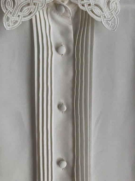 Vintage Ivory Button Up Blouse Detailed Neckline … - image 5