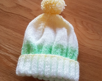 Green and White Babies Pom-Pom Hat (3-6 months)