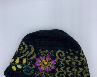 Knit winter hat with embroidery