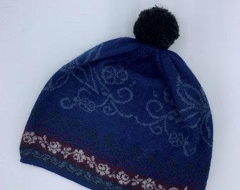 Melia winter hat with pompom