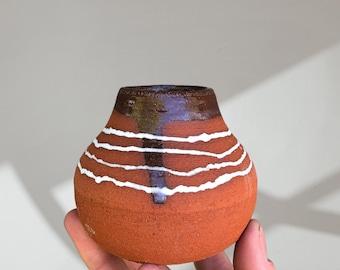 Simple bud vase