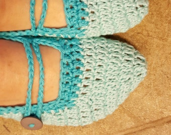 Crochet Slippers, women's size 8-10