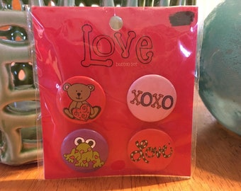 4 Pack Tin Buttons Frog Bear Love XOXO