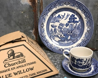 Classic Blue Willow 3 piece set dinner plate cup and saucer made in England