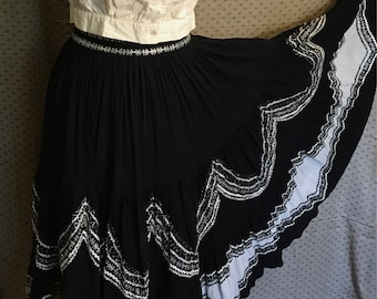 50s patio set style skirt full circle metalic ric rak black and white guaze cotton