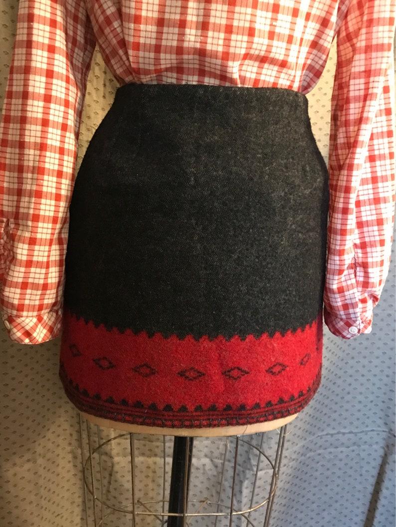 Ralph Lauren mini skirt wool indian blanket style Large black red southwest