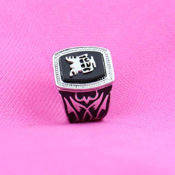 prodotti di qualità fashion style designer nuovo e usato L'anello di protezione di Vampire Diaries Alaric Saltzman