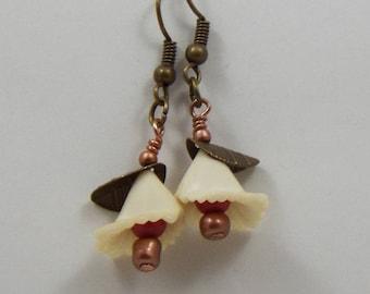 Dainty flowers dangle earrings