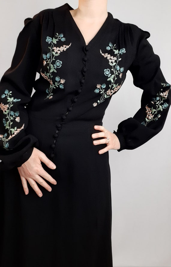 Vintage 40s crepe dress radiates embroidered and f