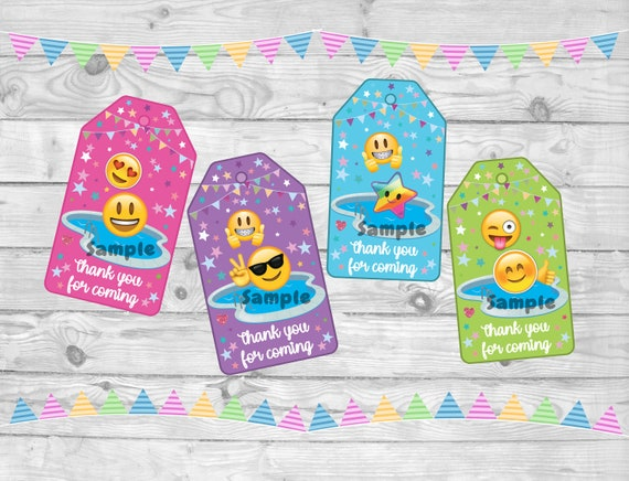 BRACELETS PARTY FAVORS GOODY BAGS TREAT BOXES POOL 24 EMOJI EMOTICON NECKLACES