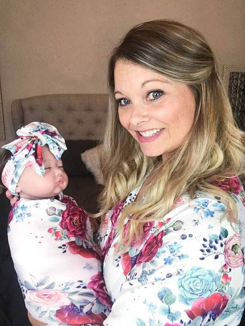 Mommy /& Me Matching Maternity Robe and Swaddle with Bow Set