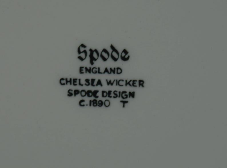 SPODE RIM SOUP Bowl in Chelsea Wicker Pattern #C1890  T