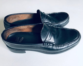 2ac1ed6e550 VTG G. H. Bass Weejuns Black Penny Loafers
