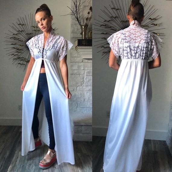 Vintage 70s flutter sleeve Robe|Vintage white lace