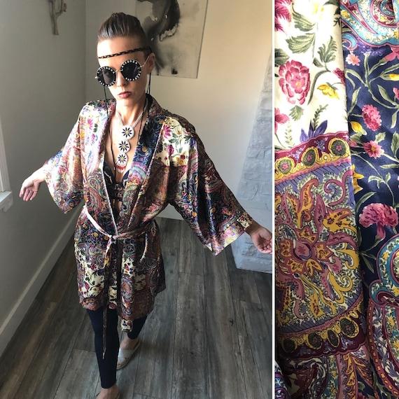 Vintage Dynasty Bathrobe| Silky paisley Kimono| Di