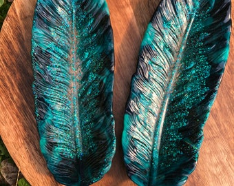 Resin Feather Dish - Black & Turquoise