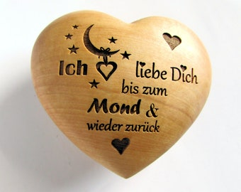 """Wooden heart with engraving """"I love you to the moon and back"""" Valentine's Day"""