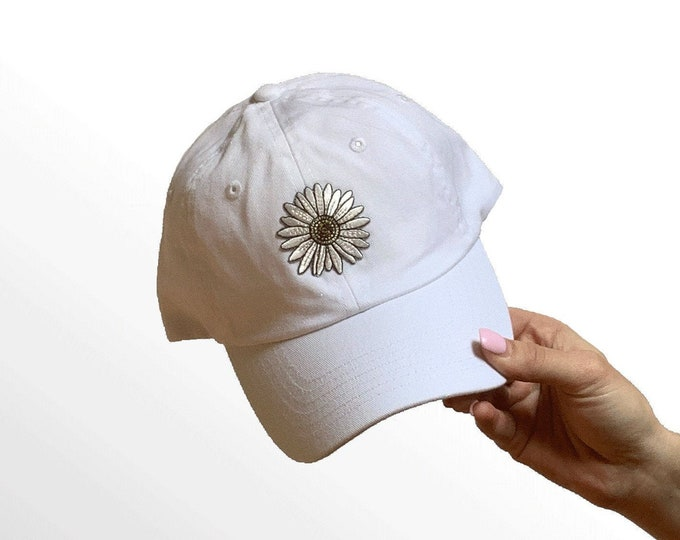 Hat for Small Heads - Women's Petite-fit (Daisy Patch)