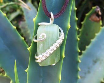 Howlite Wirewrapped Pendant