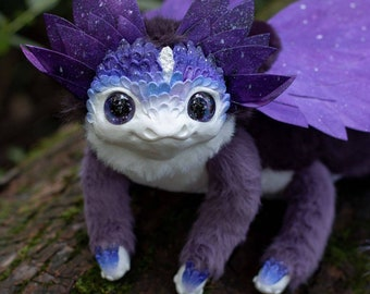 Creamy flower dragon poseable art toy
