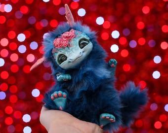 Frida the dragon poseable art toy