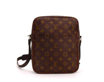 d1c7c47ed262 Authentic Vintage Louis Vuitton Brown Monogram Canvas Leather Petit Marceau  Crossbody Bag