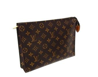 5dfec5352 Authentic Vintage Louis Vuitton Monogram Canvas Leather Toiletry Pouch 26  Large Travel Dopp Cosmetic Clutch Bag