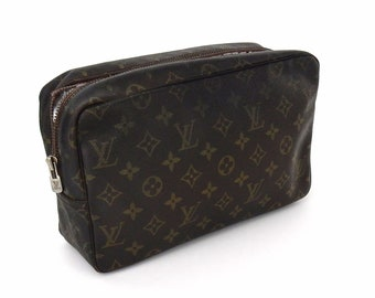 e5fbb42dec1 Vintage Louis Vuitton Brown Trousse Toiletry Bag 28 Monogram Travel Makeup