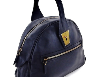 3a440608fa26 Rare Authentic Gucci Vintage Black Leather Shoulder Bowling Style Bag