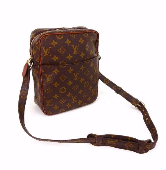 c54c4e36b8785 Authentic Vintage Louis Vuitton Brown Monogram Canvas Leather Petit Marceau  Crossbody Bag
