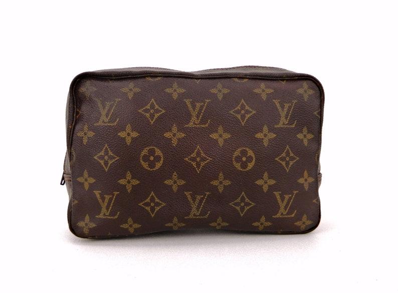 e5991e77c5a Authentic Vintage Louis Vuitton Trousse 23 Monogram Canvas Travel Dopp  Toiletry Makeup Bag