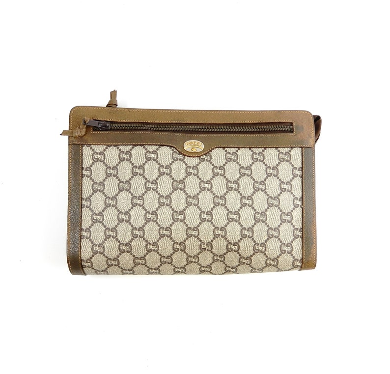 2716e8f5f9f03 Authentic Vintage Gucci Plus Brown GG Monogram Canvas Leather Travel Makeup  Toiletry Bag
