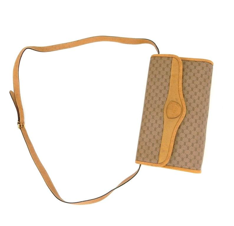 68471bd11d897 Vintage Gucci Supreme Micro GG Monogram Canvas Leather Shoulder Crossbody  Bag Italy