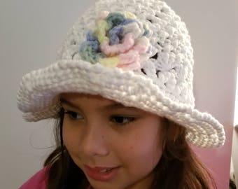 Handmade crochet hat delg