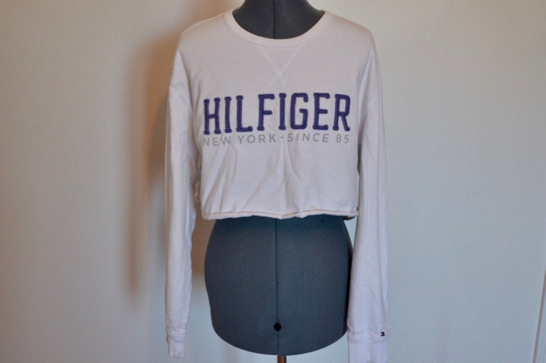 3dd9fc6f55026 Vintage Tommy Hilfiger crop top long sleeve shirt size large