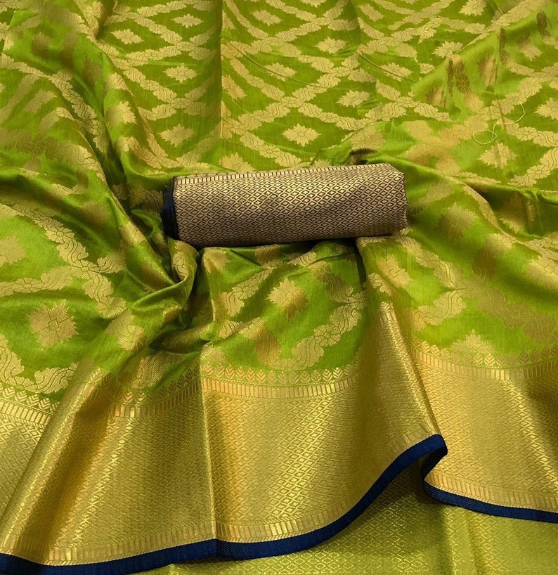 Silk Saree With Heavy Rich Pallu With Blouse