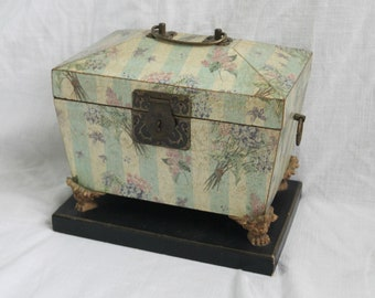 Vintage Floral Chest With Lid: Organizer Box, Flower Storage box