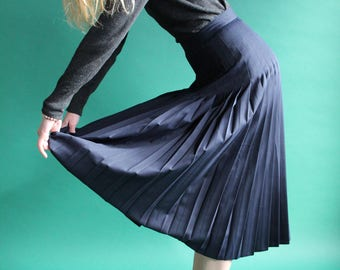 Midi skirt Navy pleated / buttoned on the length / 1 JUP17