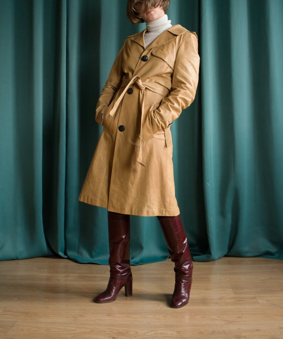 Beige vintage leather trench coat /  Long leather