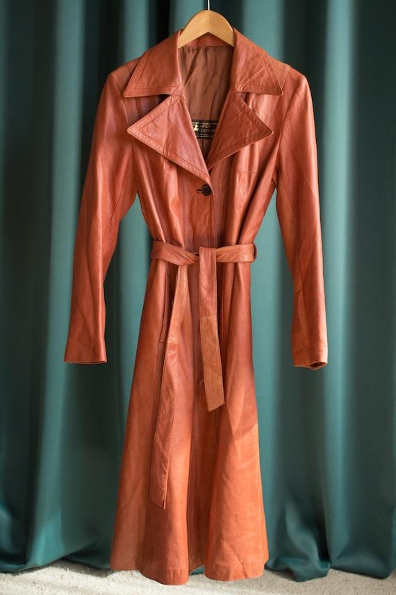 Vintage orange leather trench coat / 70's style lo