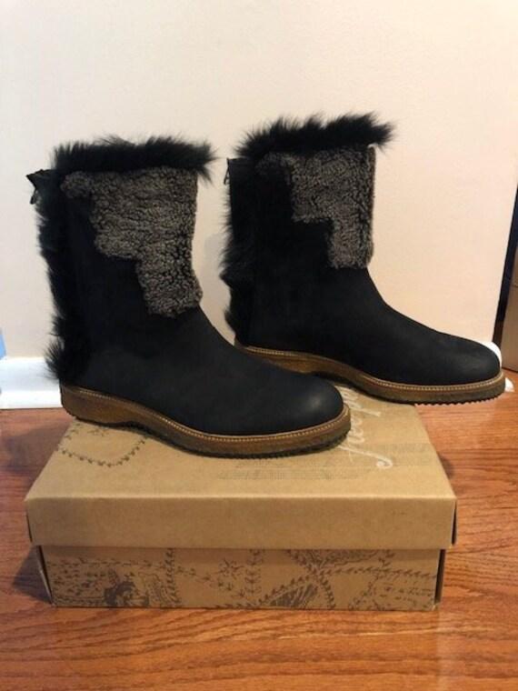 Ugg® Plumdale Charm Boots