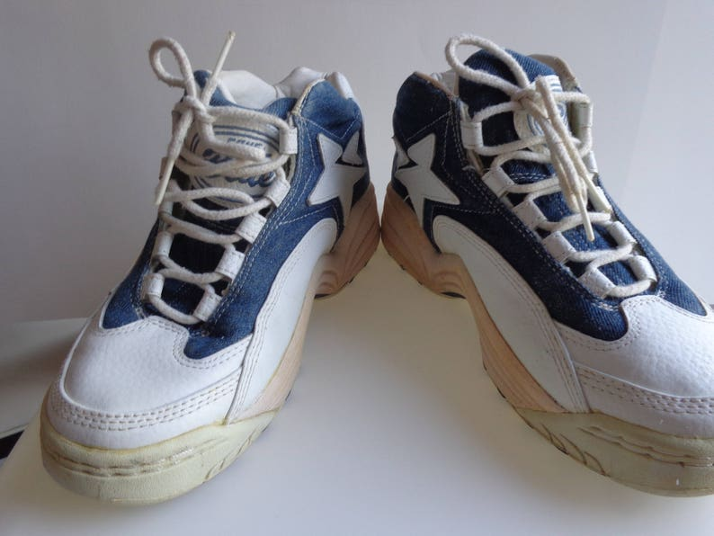 53eec3df0e36 Converse. Vintage sneakers. Wildcats.Old Kentucky Blues. Wild.