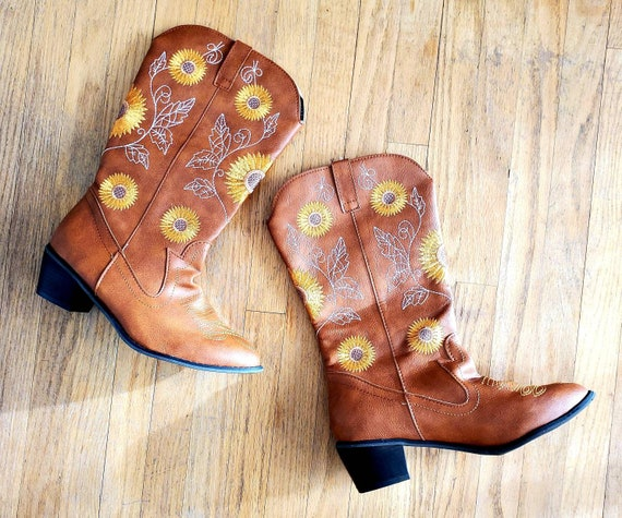 Vintage Embroidered Cowboy Boots with Sunflowers